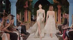 <b>Oscar de La Renta</b> | Spring Summer 2020 | Full Show - YouTube