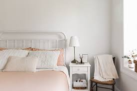 how to make the bed so it looks beautiful