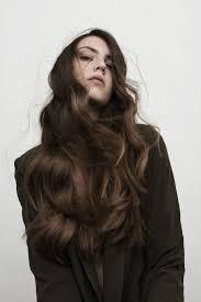 Langes Haar Wellig Brünett Model Lange Frisuren