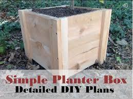 how to build this super easy planter box diy cedar planter box tutorial