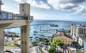 Elevador Lacerda, um dos principais cartões postais da capital baiana. O  primeiro elevador … | Lugares para viajar, Melhores lugares para viajar,  Destinos nacionais