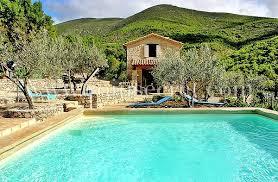 près de nyons mas avec piscine bénéficiant d une splendide vue sur les collines