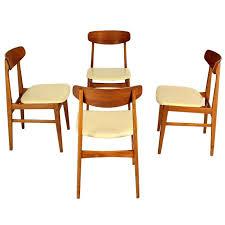 modern danish chairs set of 4 danish mid century modern dining chairs at 1stdibs