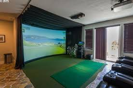 The putting media room