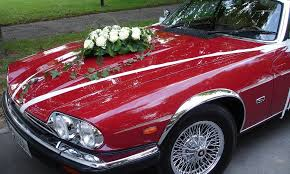 7 wonderful ways to decorate your wedding transportation