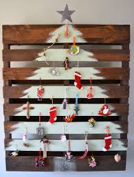 pallet painting ideas christmas. the painted pallet christmas tree painting ideas e