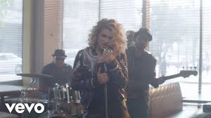 Tori Kelly - Nobody Love (Official ...