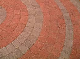 how to lay a circular paver patio tos diy