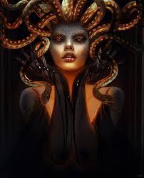 M Duse Femme La Chevelure De Serpents Et Dont Les Yeux
