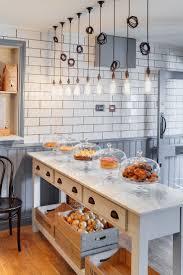Small Cake Shop Design Brithday Cake
