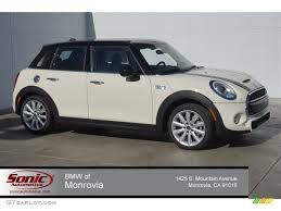 mini cooper 4 door white