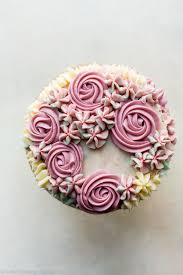 ercream roses and hydrangeas easy fl frosting decoration on cake looking for a birthday cupcake