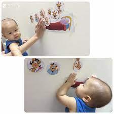 Con chơi gì cũng nhanh chán, mẹ Hà Nội tự tay làm đủ các loại đồ chơi vừa  dễ vừa rẻ