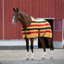 horse equipment horse rugs and equestrian clothing horze uk newmarket fleece cooler fleece riding rug