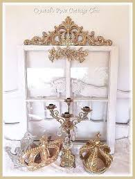 ornate distressed crown wall decor applique
