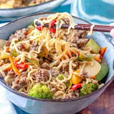 hamburger ramen noodle skillet supper