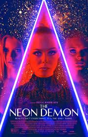 El demonio neón (2016) español