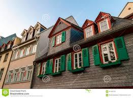 Europäische Fenster Mit Grünen Hölzernen Fensterläden Im Alten Haus