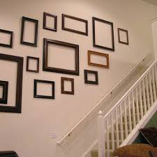 empty picture frame wall decor use empty frames to decorate home ultimate home ideas