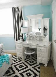 small bedroom furniture arrangement ideas. Bedroom, Small Bedroom Furniture Arrangement Ideas Canopy Wrinkle White Pillowcase Plain Knife Edge Cotton South