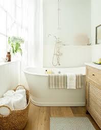 Paint Color Portfolio: Pale Green Bathrooms. Sherwin Williams Lighter Mint