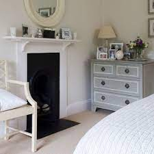 decorate a bedroom fireplace mantel