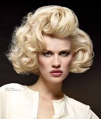 Marilyn Monroe Hairstyle Curled Hairstyle For A Marilyn Monroe Look