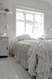 Ann Gish Ruffled <b>Shower</b> Curtain | Shabby chic nel 2019 | Bagno ...