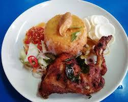 Tekstur daging ayam cincang yang lembut menjadi pilihan tepat. Nasi Kukus Ayam Cincang K B Medan Selera Ss15 Subang Jaya 2021