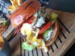 De Hugh burger is Huge - Picture of Hugh Rotterdam - Tripadvisor