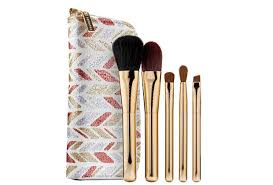 8 makeup brushes to up your beauty game fashionclub fidm fashion club official site
