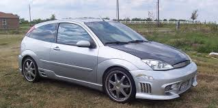 2003 Ford Focus hatch – pictures, information and specs - Auto ...