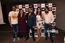 Mika Charts Mika Singh Teams Up With Boombastic Singer Shaggy To Launch