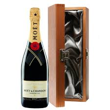 moet chandon brut imperial chagne bottle in moet gift box in luxury gift box