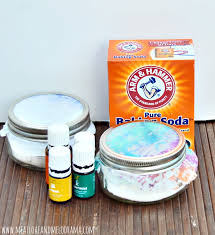 diy air fresheners made with baking soda and essential oils