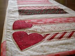 Valentines Day Table Runner | Terri's Notebook & For ... Adamdwight.com