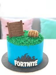 Sally Fortnite Cake