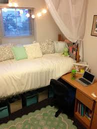 Beautiful Dorm Canopy Bed Ideas
