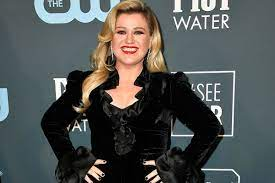 Kelly Clarkson Wants Her Name Changed Back
