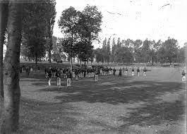 File:DD Stadsschutterij Maastricht, De Kommen, ca 1890.jpg - Wikimedia  Commons