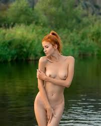 Outdoor nxz girl naked