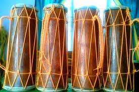 Begitu juga dengan gendang melayu juga berasal dari india dan mempunyai persamaan bentuk seperti gendang 'mridanga'. Mengenal Alat Musik Gendang Panjang Kepulauan Riau