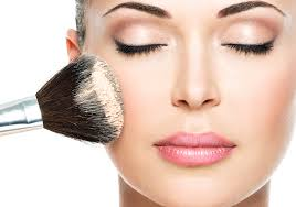 2 of the best all natural makeup brands leading the way in clean cosmetics