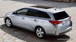 Toyota AURIS interior - image #184