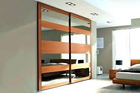 mirrored closet sliding doors mirrored sliding closet doors sliding mirror closet door sliding closet door decorating