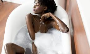 Masturbation in tub women
