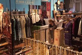 Chelsea Design Stores Artists Fleas Chelsea Market Shopping In Chelsea New York