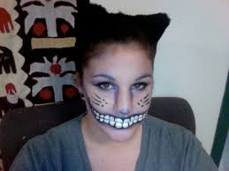 thought id try my hand at cheshire cat makeup what do you think
