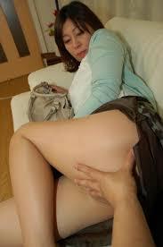 Naughty Japanese Granny Enjoy Dick Sucking and Crushing On Bed.
