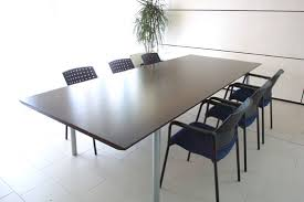 stunning isotta meeting tables are available in round rectangular and boat shaped versions select isotta glass meeting table